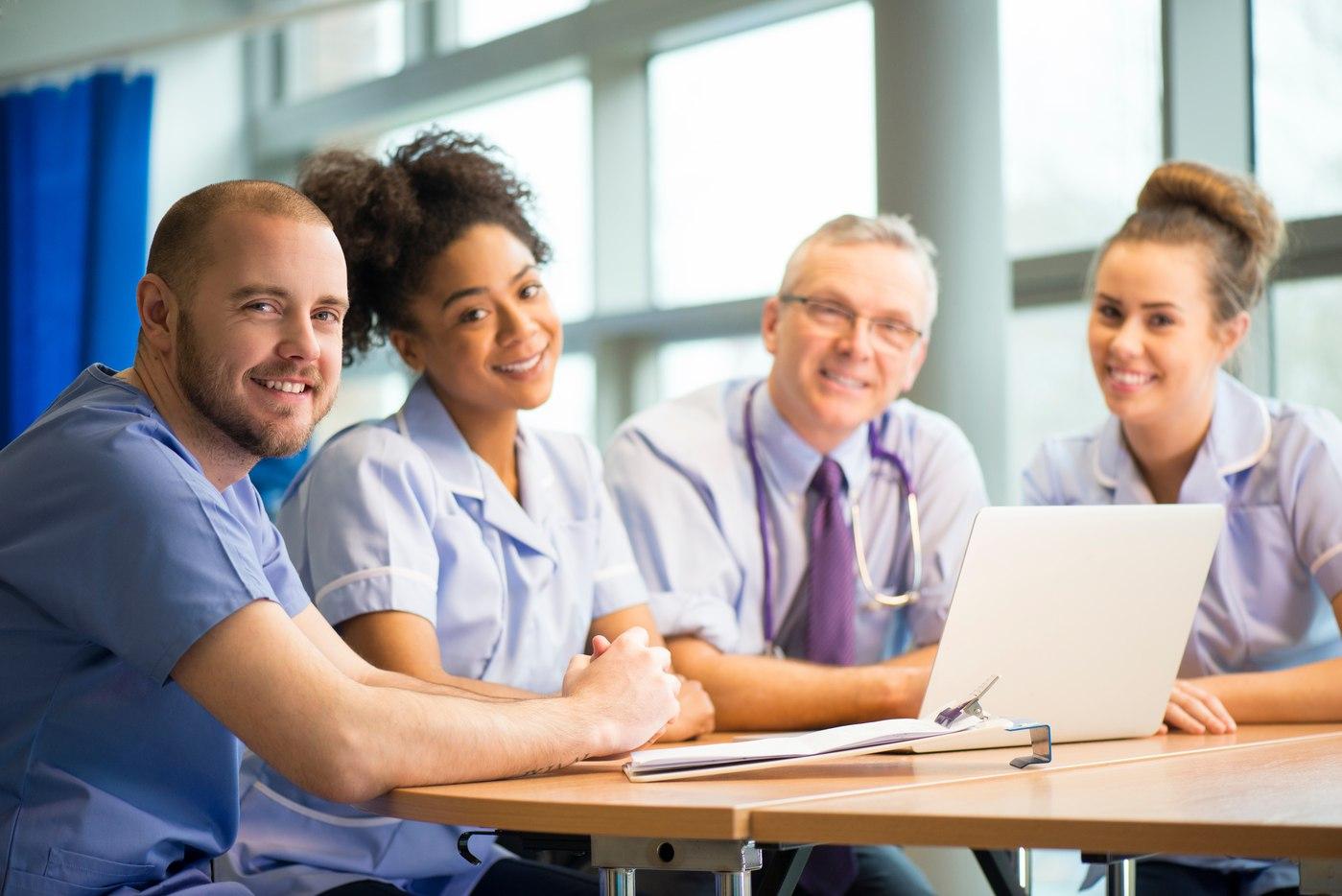 medical-staff-meeting-000038976992_XXXLarge-1